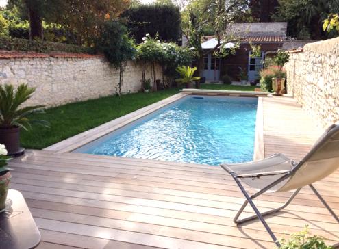 Plus belle réalisation piscine tendance intimiste pour Aquilus La Rochelle (17)