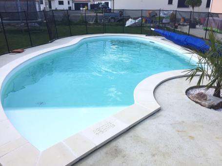 Plus belle réalisation piscine tendance courbes pour Aquilus Toulouse (31)