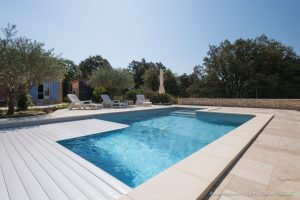 une piscine Aquilus pour la famille