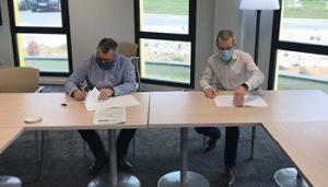 Signatures des contrats à Aquilus Groupe